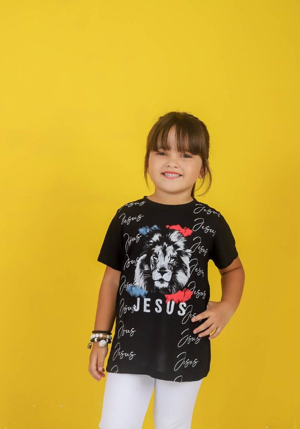 Camiseta infantil jesus leão (preta) unissex