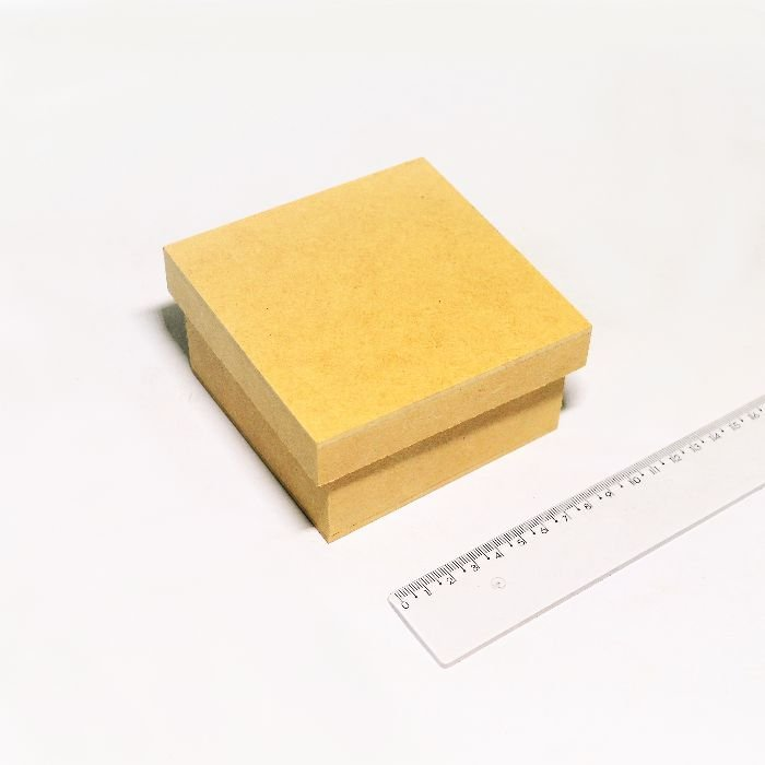 Caixa simples 10 x 10 x 5,5 cm em MDF com tampa - Pacote com 3 peças - Cód.:7956