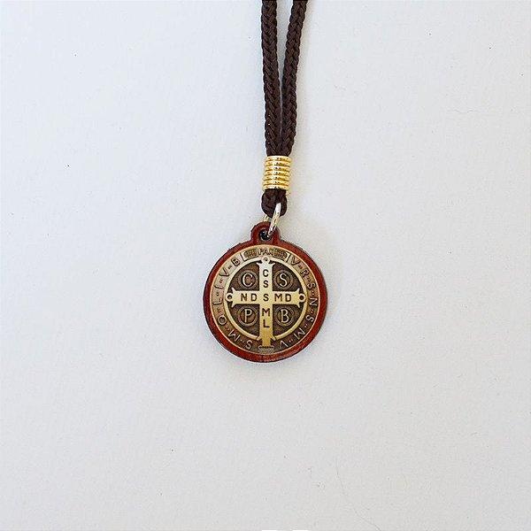 Cordão Nylon com medalha em madeira São Bento - A dúzia - Cód.: 360