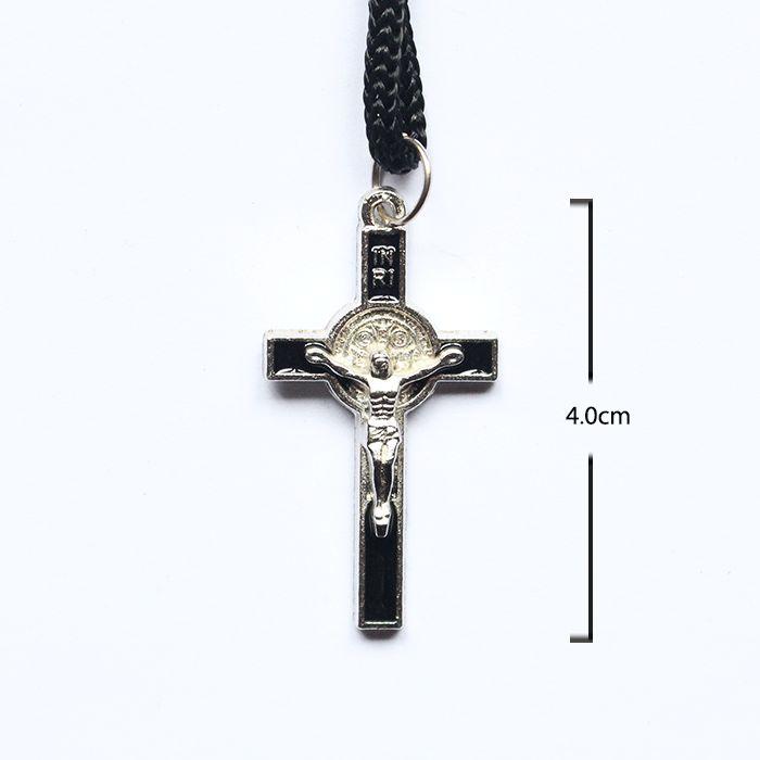 Cruz de São Bento em metal no cordão - A Dúzia - Cód.: 5603