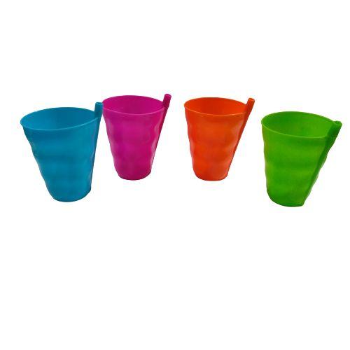 Conjunto de Quatro Copos Plásticos com Canudo - O Pacote com 3 conjuntos - Cód.: 085