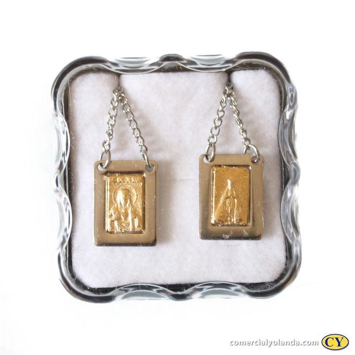 Escapulário em metal com centro dourado, Sagrado Coração de Jesus e Nossa Senhora Aparecida - O Pacote com 6 unidades - Cód.: 4635