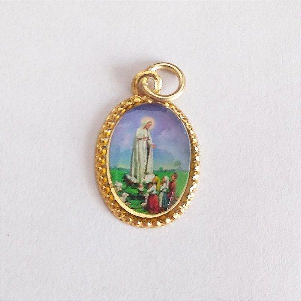 Medalha de Alumínio Resinada - Nossa Senhora de Fátima - Pacote com 100 peças - Cód.: 447