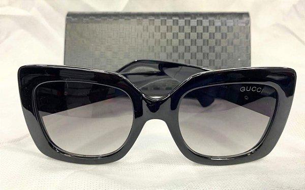58b4b8493 Óculos De Sol Gucci Quadrado Preto Feminino - Griffe dos Olhos ...
