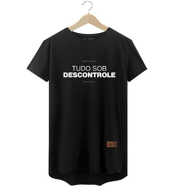 Camiseta Tudo sob Descontrole