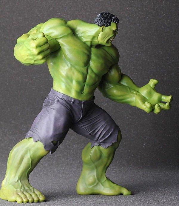 Estátua Incrível Hulk - Sob Encomenda