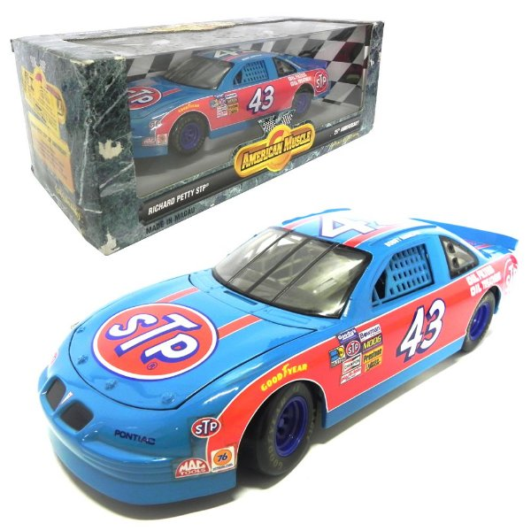 RICHARD PETTY PONTIAC GRAND PRIX STP 25th ANNIVERSARY NASCAR 1/18 AMERICAN MUSCLE ERTL7804