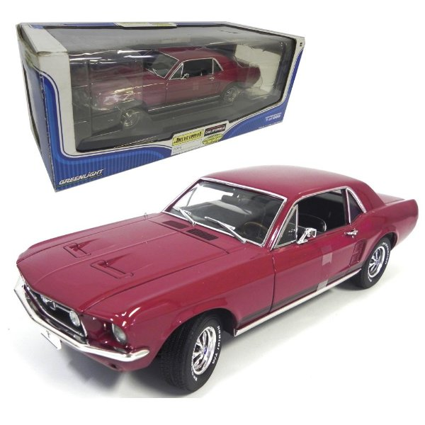 1967 FORD MUSTANG COUPÉ 1/18 GREENLIGHT GRE50828
