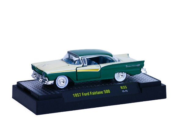 1957 Ford Fairlane 500 1/64 M2 Machines 32500 Release 35 Auto-Thentics M2M32500-35H