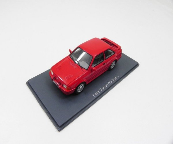 FORD ESCORT RS TURBO 1/43 NEO 44950