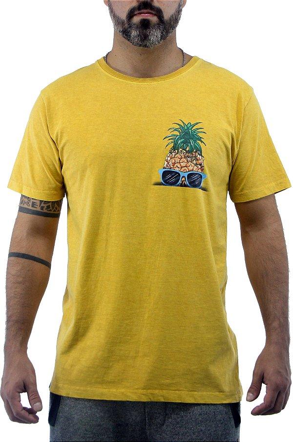 Camiseta Masculina Estonada Mostarda Pineapple