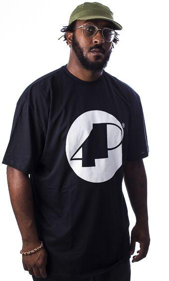 Camiseta Preta 4P Clássica com logo Branco