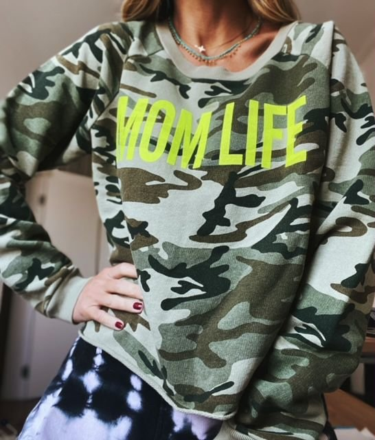 Moletom Mom Life Camuflado Lime