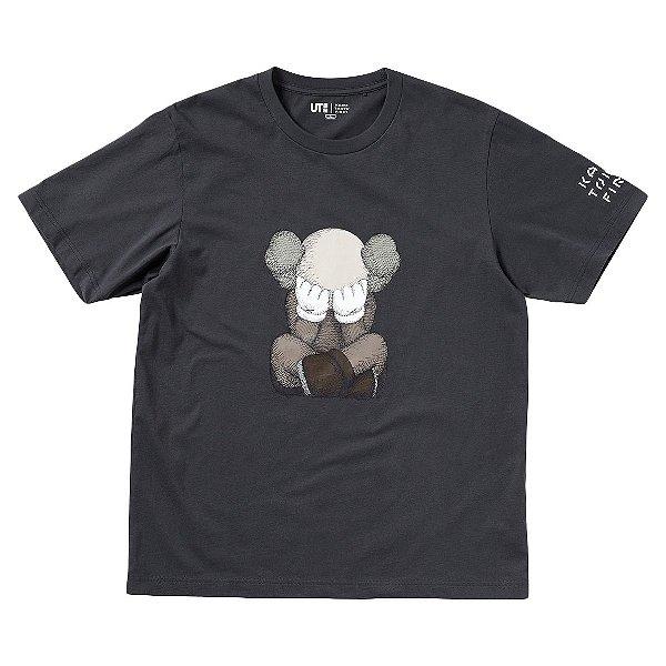 "KAWS x UNIQLO - Camiseta Tokyo First ""Cinza"" -NOVO-"