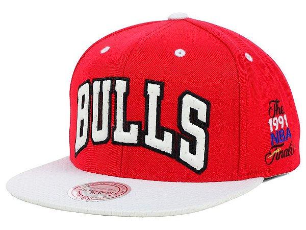 """MITCHELL & NESS - Boné Bulls NBA 1991 Snapback """"Vermelho"""" -USADO-"""