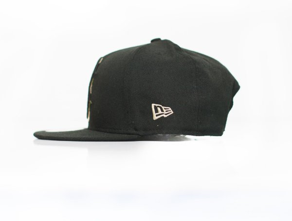 "NEW ERA - Boné Logo B Boston ""Preto/Camo"" -USADO-"