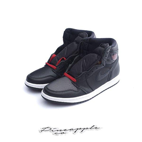 "NIKE - Air Jordan 1 Retro ""Black Satin/Gym Red"" -NOVO-"