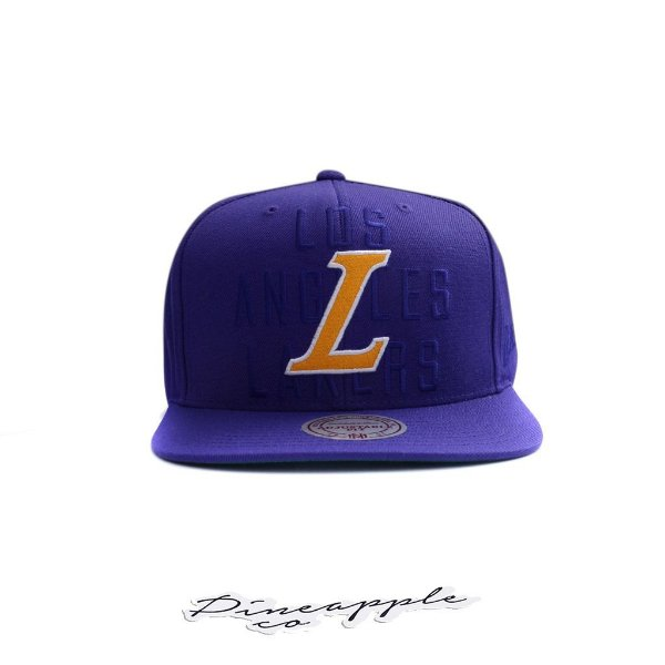 "MITCHELL & NESS - Boné First Letter III Lakers Snapback ""Roxo/Verde"" -NOVO-"