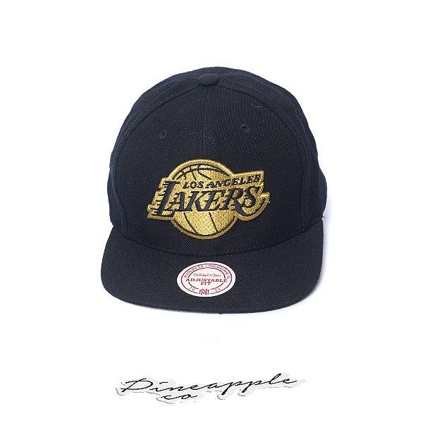 """MITCHELL & NESS - Boné Team Gold Snapback Lakers """"Preto/Dourado"""" -NOVO-"""