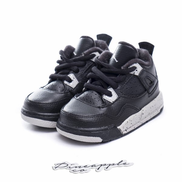 """NIKE - Air Jordan 4 Retro """"Oreo"""" (Infantil) -NOVO-"""