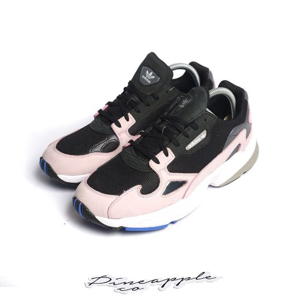 "ADIDAS - Falcon ""Core Black/Light Pink"" -NOVO-"