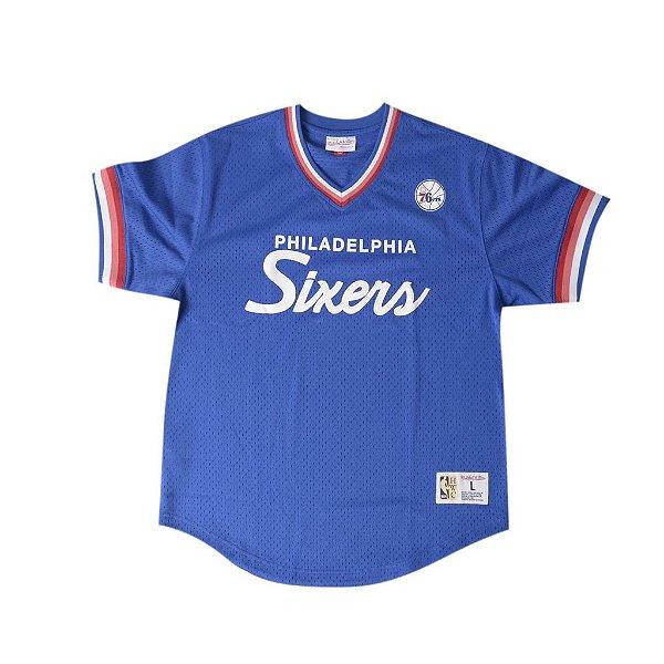"""MITCHELL & NESS - Camiseta Jersey Script Philadelphia Sixers """"Azul"""" -NOVO-"""