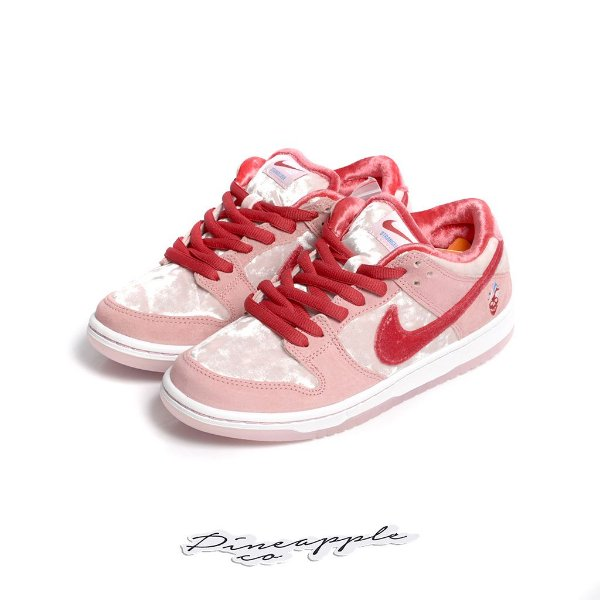 "NIKE x STRANGELOVE SKATEBOARDS - SB Dunk Low ""Valentine's Day"" -NOVO-"