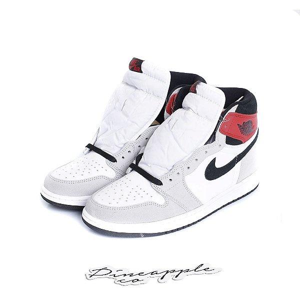 """NIKE - Air Jordan 1 Retro """"Light Smoke Grey"""" (40,5 BR / 9 US) -NOVO-"""