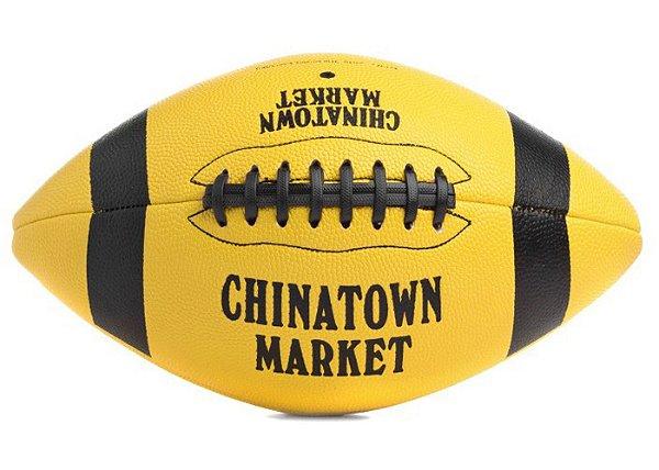 "CHINATOWN MARKET - Bola de Futebol Americano Smiley ""Amarelo"" -NOVO-"