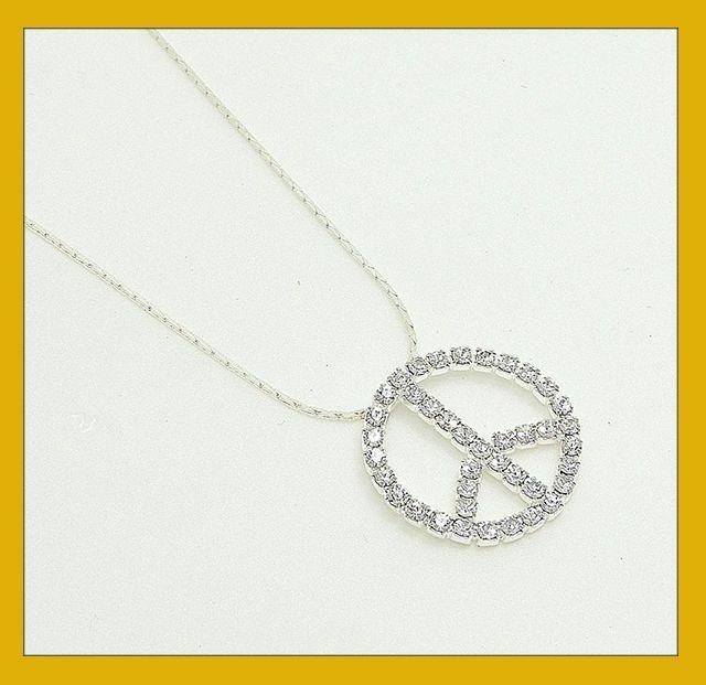Gargantilha simbolo da paz em strass