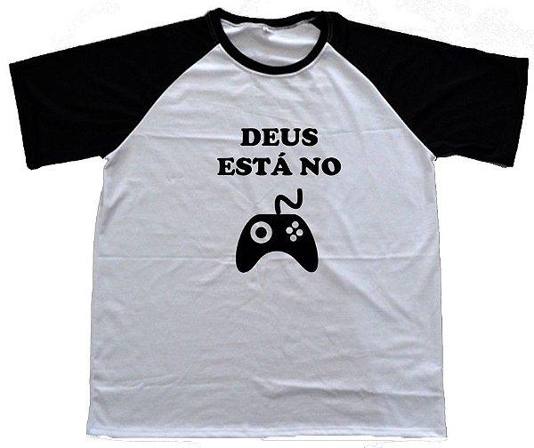 6db9f65067 Camiseta DEUS ESTÁ NO CONTROLE - EFÉSIOS 5