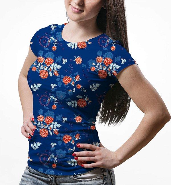 Camiseta Baby Look Feminina Floral Rosas no Dark Blue Estampa Total - OUTLET