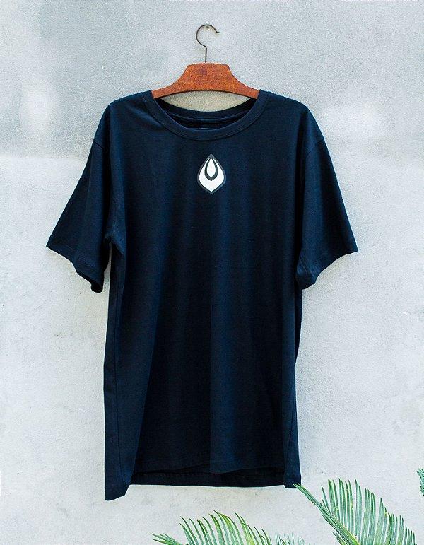 Camiseta Slim-Fit Preta - Gota - Necta