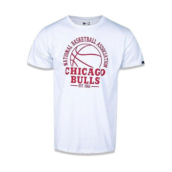 CAMISETA NEW ERA NBA CHICAGO BULLS COLLEGE GAME BALL - BRANCA