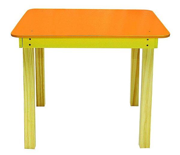 Mesa Infantil Quadrada de madeira Cor Amarela