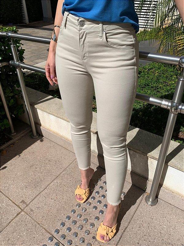 Calça Skinny Color Marisa