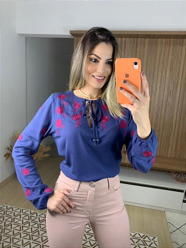 Bata Bordada Ana Cláudia Marinho