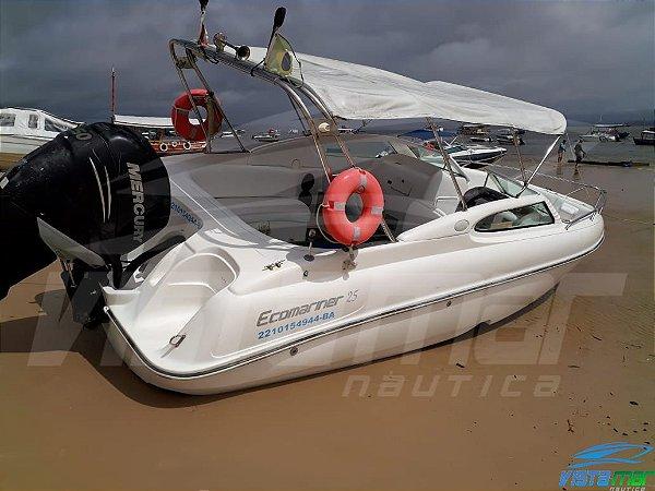 Casco Ecomarine 25 pés