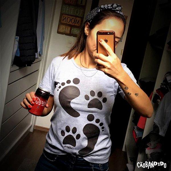 Camiseta Baby Look Cachorro Pegadas