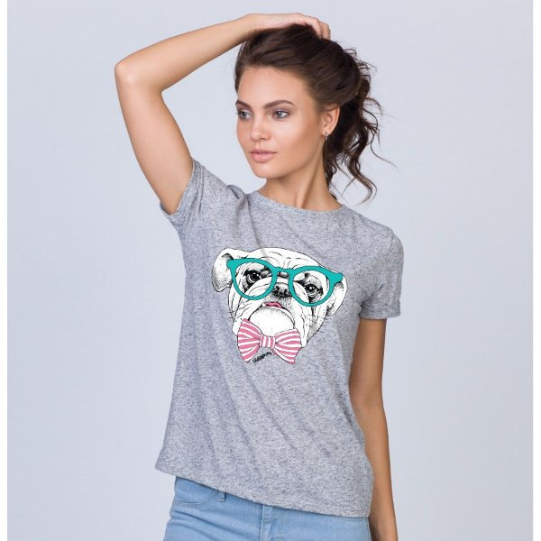 Camiseta Baby Look Bulldog Inglês de Óculos e Gravatinha