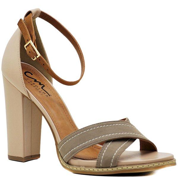 1b499e0d1b Sandália Salto Grosso Alto com Vira - Fendi   Nude - 34044 - Sapatos ...
