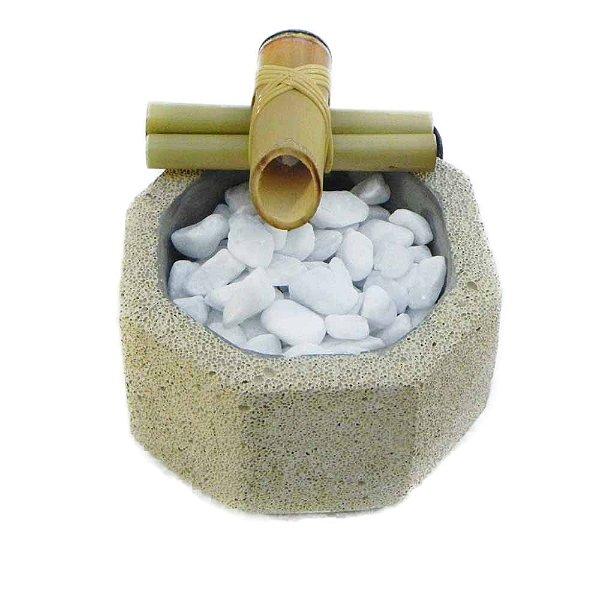 Fonte D'agua cimento celular oitavada