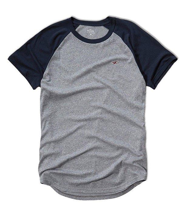 Camisa Hollister Raglan cinza e azul