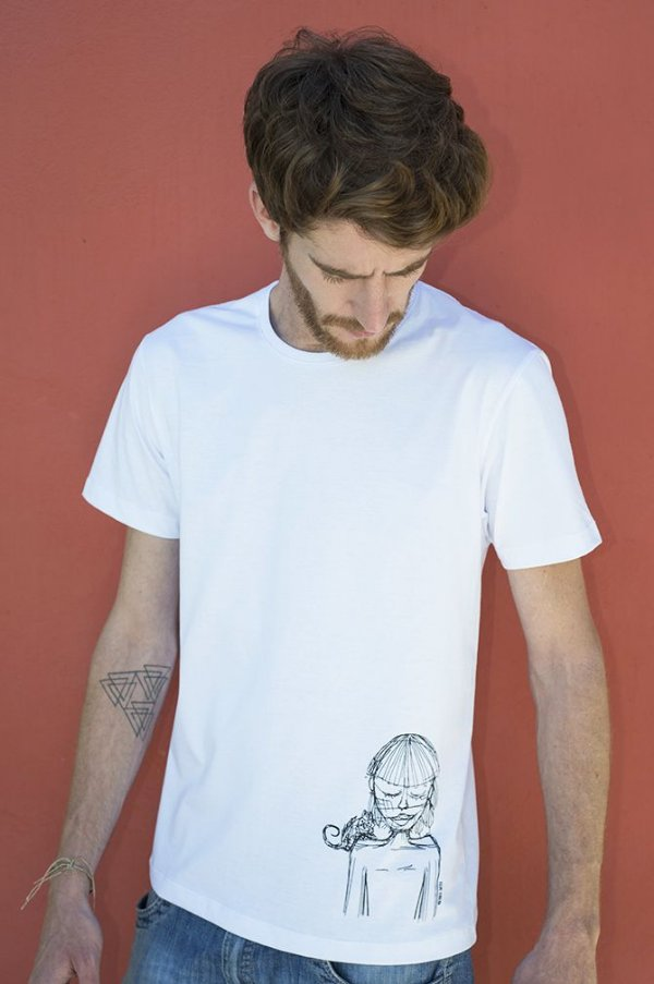 Camiseta Masculina em Algodão Orgânico - Estampa índia - Artista Felipe Ferreira