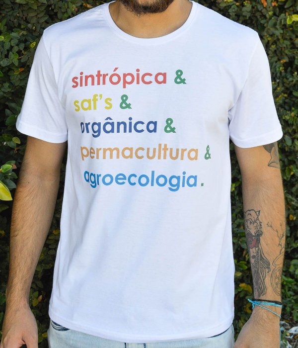 Camiseta Masculina em Algodão Orgânico - Estampa Agroecologia - Artista: Heris Rocha
