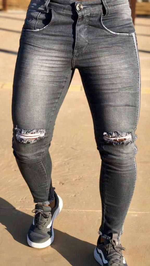 Calça Cinza Lavada Skinny Rasgo no Joelho - Codi Jeans