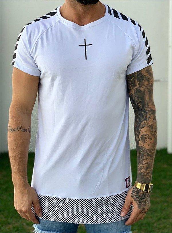 Camiseta Longline Raglan White Barra Furos - John Jones