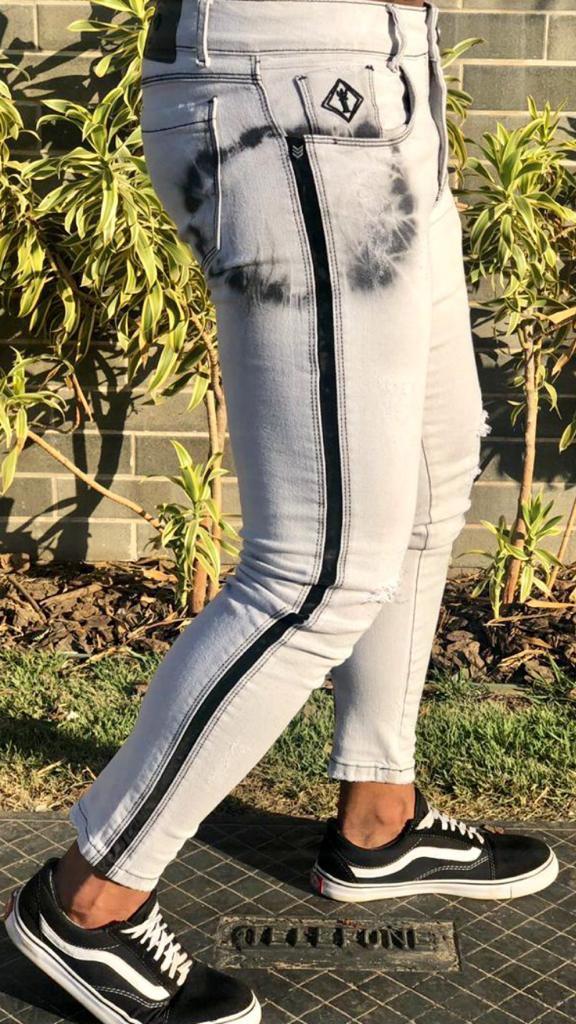 Calça White Manchas Skinny Faixa Suede Lateral - Codi Jeans