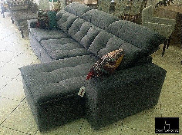 Sofá Retrátil com 3 lugares retráteis sendo um chaisse retrátil, encosto reclinável.