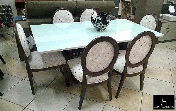 Sala de Jantar 6 lugares, tampo em vidro 1,8m x 1,0m . cadeiras em madeira.